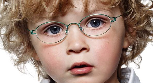 Ребёнку выписали очки