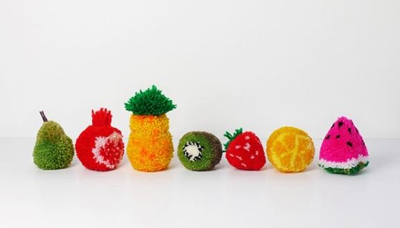фрукты из помпонов