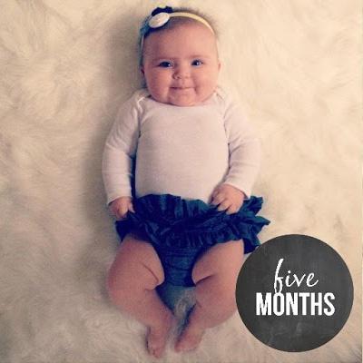 Развитие ребенка в 5 месяцев: физические и эмоциональные
